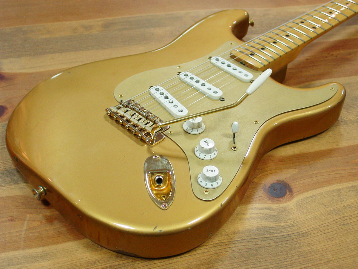 Fender_1989_HLE_Strato_3.jpg